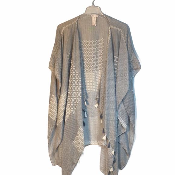 Free People Featherweight gray shawl